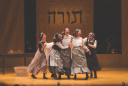 Fiddler on the Roof in Yiddish